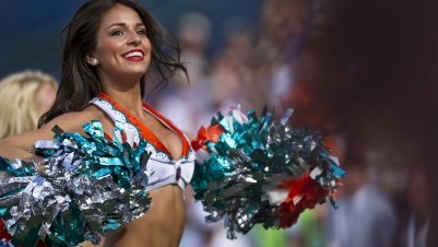 Top 10 des Cheerleaders les plus sexy de la NFL